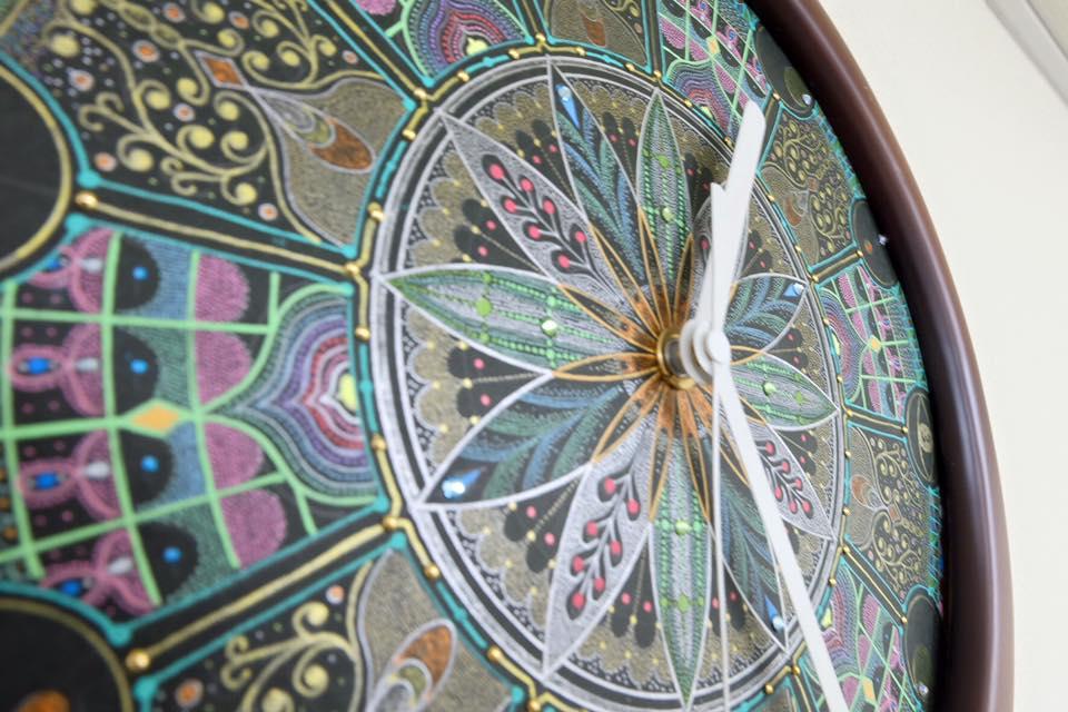曼荼羅アートの時計