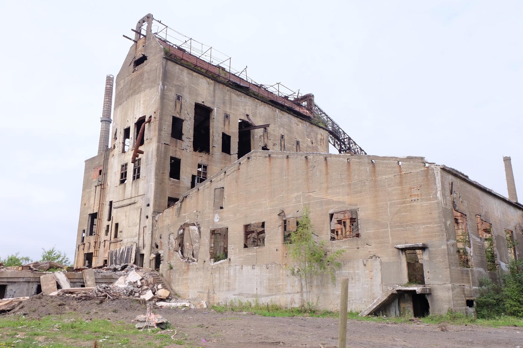 ポロナイスクの工場跡